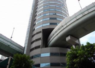 japon-autopista-dins-d-un-edifici-01