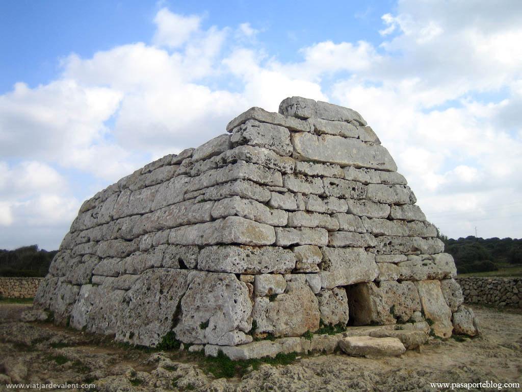 La Naveta des Tudons, a Menorca, Illes Balears