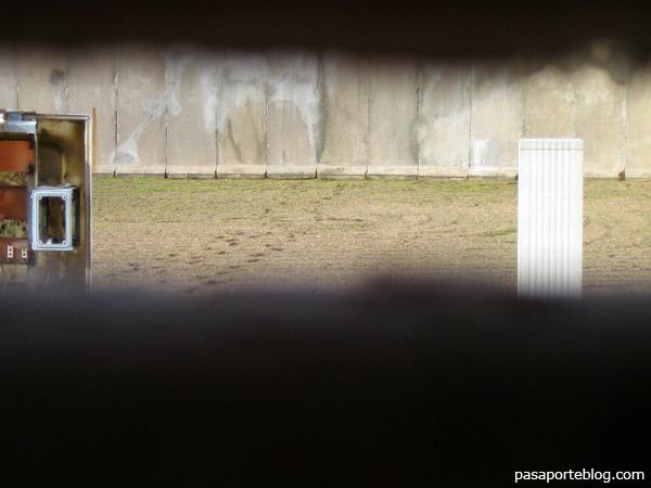 A través del Mur de Berlín